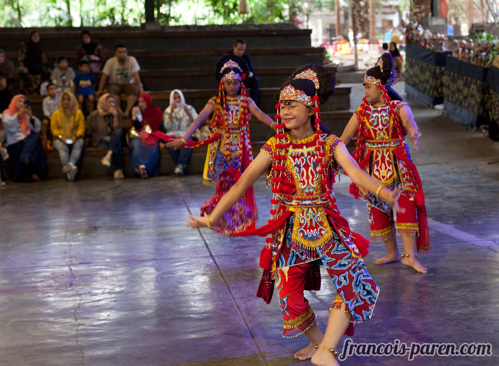 bandung-spectacle-traditionnel