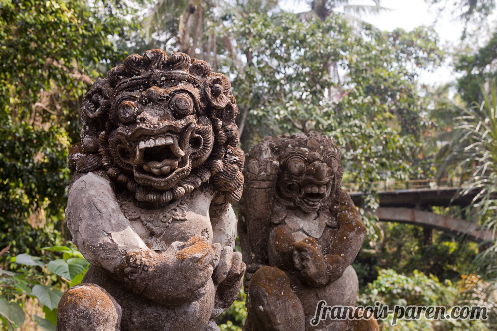 ubud statue