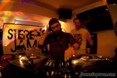 stereojam-boussole-4
